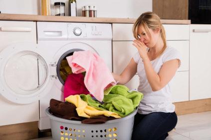 https://www.softseclavanderia.com.br/wp-content/uploads/2019/03/264999-reservado-redatora-carolina-macedo-prazo-3112-22-h-que-cheiro-e-esse-saiba-como-evitar-cheiro-ruim-ao-secar-roupas-em-dias-chuvosos-423x282.jpg